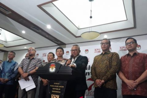 KPU Resmi Tetapkan Jokowi-Ma'ruf Dan Prabowo-Sandiaga Sebagai Pasangan Capres-Cawapres