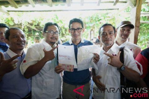 Sandiaga Terharu Terima Sumbangan Rp10 Juta Dari Relawan