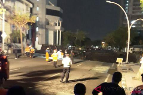Polisi Undang Ahli Geologi Jakarta Pastikan Penyebab Jalan Ambles