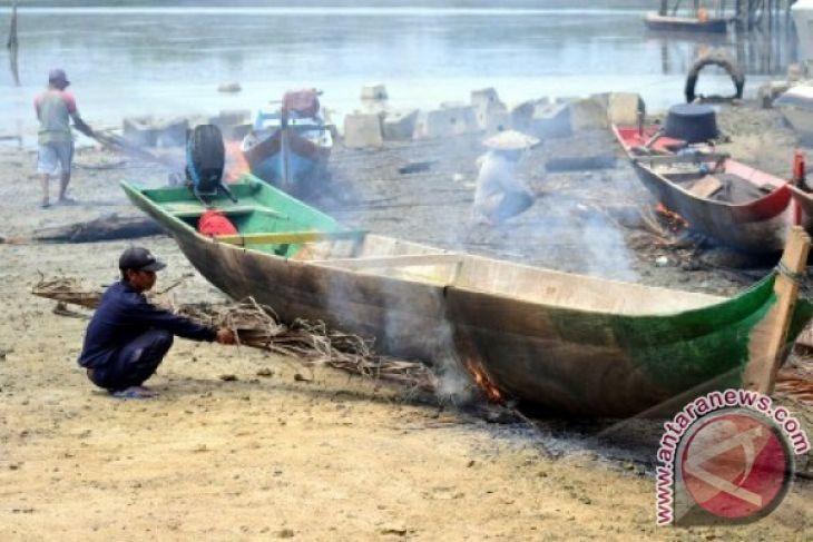 Sekitar 800 Nelayan Gorontalo Utara Masih Gunakan Perahu Dayung