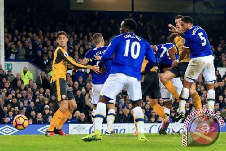 Everton Rekrut Pemain di Hari Terakhir Transfer
