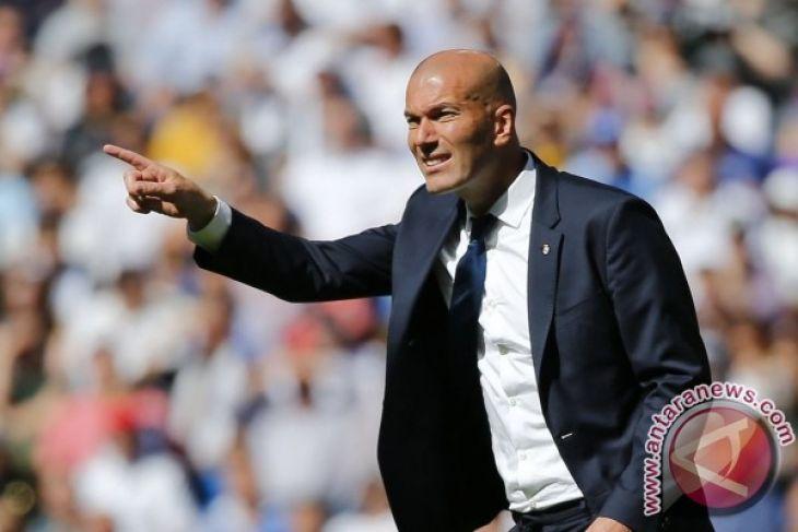 Zidane perpanjang kontrak dengan Real Madrid