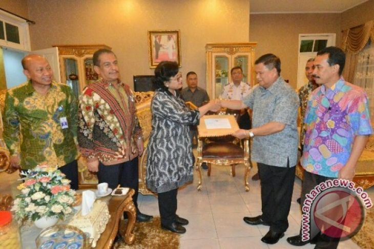 Wagub : Gorontalo Butuh Pengembangan Pelabuhan Dan Bandara