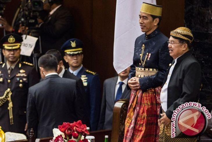 Ketika Jokowi-JK bertukar