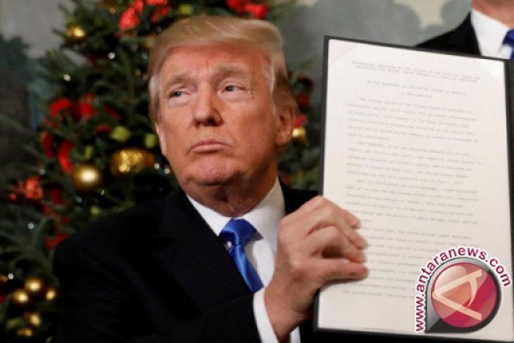 Mantan Direktur FBI Mengatakan Trump Tak Pantas Jadi Presiden