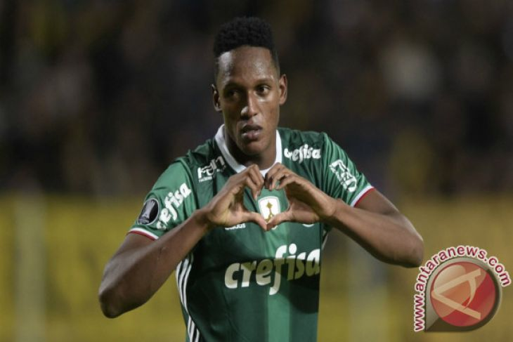 Barcelona Rekrut Bek Dari Palmeiras