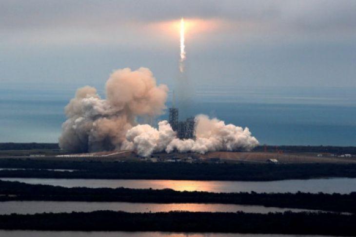 SpaceX Luncurkan Misi Rahasia Zuma