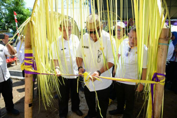 Gubernur Gorontalo Resmikan 80 Unit Rumah Nelayan