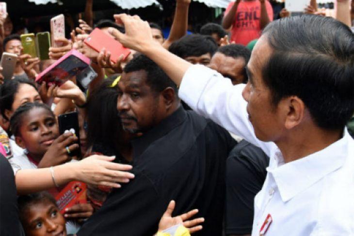 Survei : Elektabilitas Jokowi Masih Tertinggi Diantara Pesaing Lainya