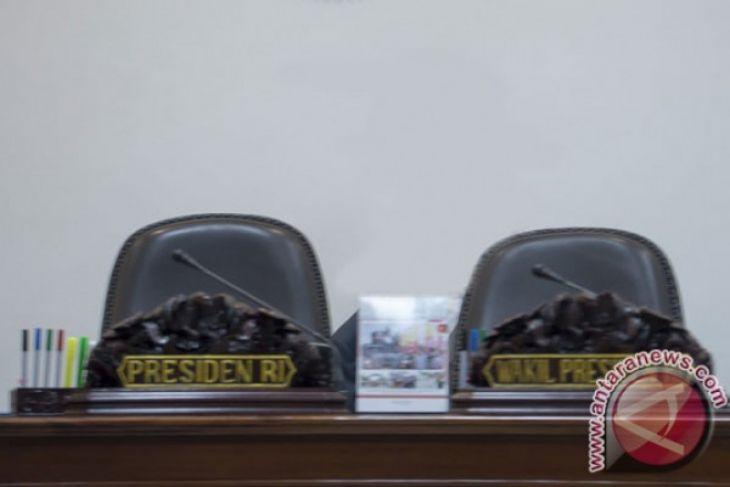 Jokowi-Prabowo-Sandiaga Mengajukan Surat Tidak Pailit