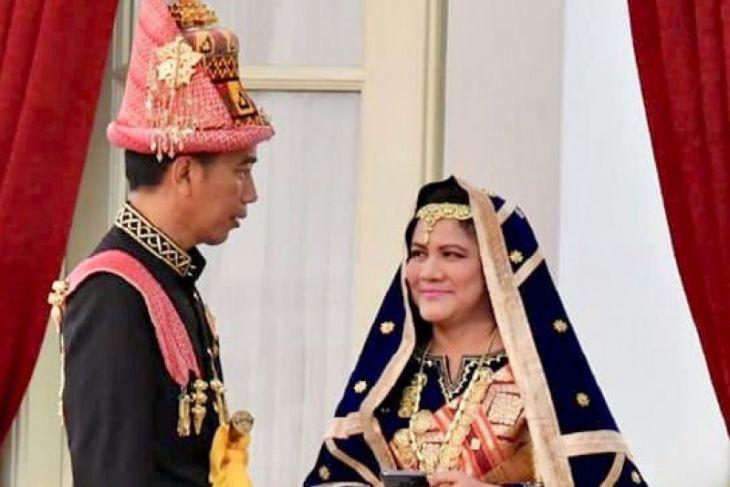 Jokowi Kenakan Busana Aceh di HUT RI