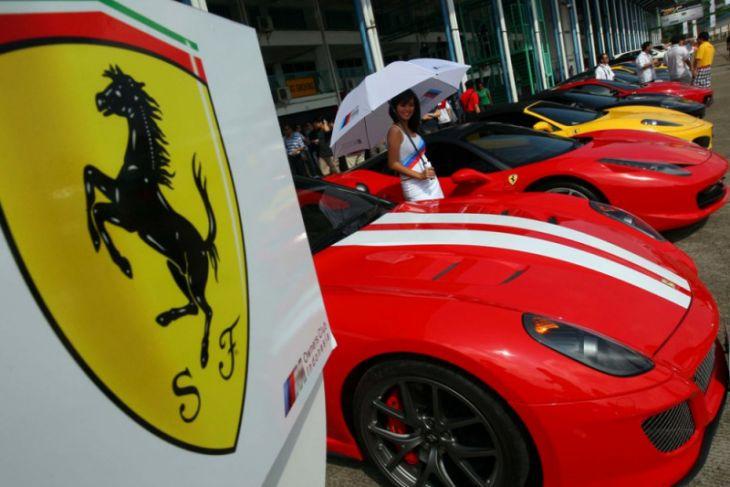 Badai Topan di Jepang Hancurkan 51 Ferrari