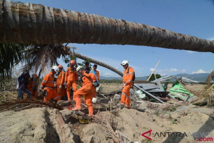 Mengubah Bencana Menjadi Berkah oleh dr H Hasanuddin Atjo MP *)
