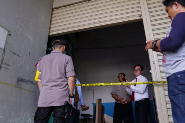 Flash -  Lift Citimall Gorontalo Ambruk, Tujuh Orang Cedera