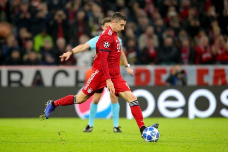 Lewandowski bawa Muenchen satu kaki di 16 besar