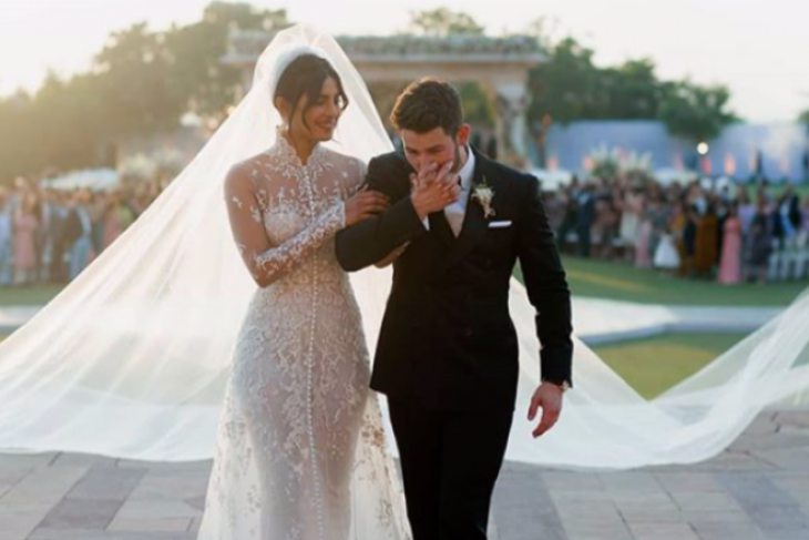 Priyanka Chopra - Nick Jonas Rayakan Pernikahan di New Delhi