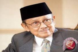 Ainun-Habibie jadi model keluarga Indonesia