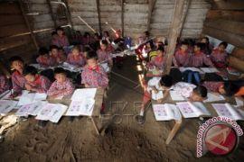 Sejumlah SMP di Batanghari akan terima bantuan meja-kursi