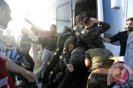 1.000 lebih personel militer Turki dipecat usai upaya kudeta