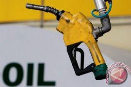 Harga minyak Indonesia turun 2,10 dolar