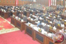 Fraksi DPRD sampaikan pemandangan umum terhadap RAPBD Perubahan 2017