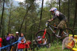 Balap sepeda internasional digelar di Hutan Harapan