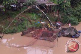 Petani ikan keramba ikon kawasan Buluran