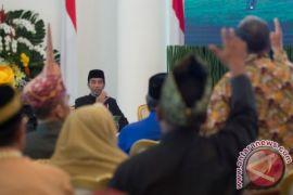 Presiden Kumpulkan Para Kepala Suku di Istana Bogor