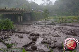 Tim PVMBG Kirim Sampel Lahar Hujan ke Yogyakarta