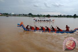 52 tim pacu perahu jajal Sungai Batanghari