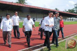 Zola tinjau stadion gubernur cup