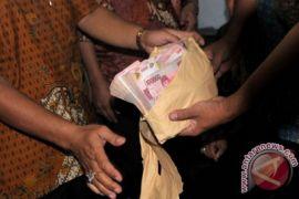 Polisi mengamankan Komisioner KPU dan Panwaslu Garut