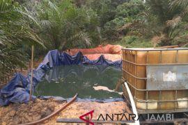 Pemkab Batanghari sayangkan kembali beroperasinya penambangan minyak liar