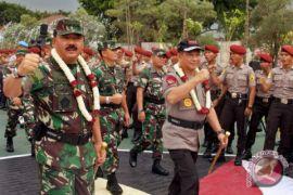 Panglima TNI-Kapolri tinjau perbatasan Indonesia-Malaysia