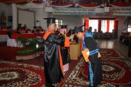 Rektor memaparkan capaian kinerja Unja 2016-2017