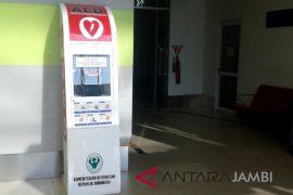 AED bantu pertolongan serangan jantung di bandara