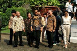 Presiden Jokowi bersilaturahim dengan budayawan
