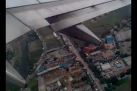 Cuaca buruk haruskan pesawat lakukan putaran