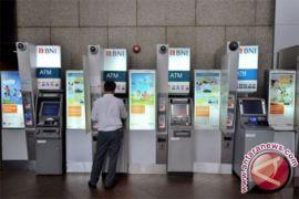 100 bank akan terbitkan ATM
