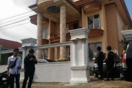 KPK geledah rumah seorang kontraktor di Jambi