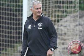 Manchester United amankan posisi kedua