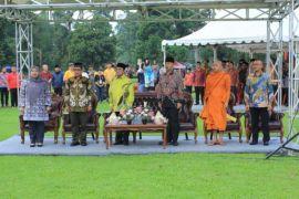 Bupati Masnah hadiri Waisak di Candi Muarojambi