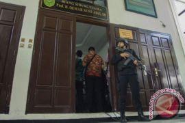 Polisi larang TV siarkan langsung sidang Aman