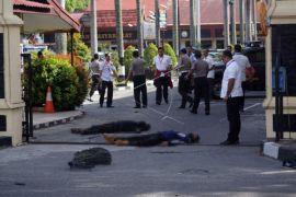 Markas Polda Riau diserang pemuda bersamurai