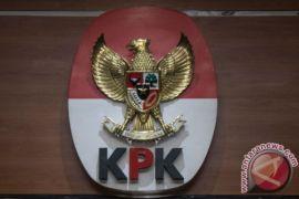Pengamat: Parpol evaluasi segera banyaknya OTT bupati