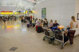 Bandara Ngurah Rai ditutup karena abu vulkanik Gunung Agung
