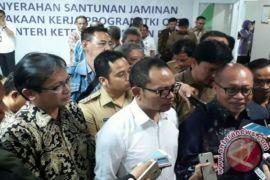 Menaker Hanif resmikan Kampung Pelangi pertama