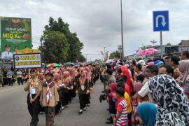MTQ Jambi - Peserta MTQ ke-48 Provinsi Jambi ikuti pawai taaruf.