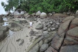 Wisata Trekking Pulau Berhala