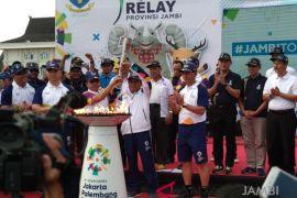 Foto-foto kemeriahan Kirab Obor Asian Games di Jambi